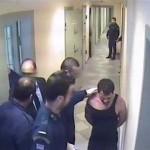 To vima.gr αποκαλύπτει καρέ από το βίντεο που κατέγραψαν οι κάμερες στις φυλακές Νιγρίτας με την κακοποίηση Καρέλι