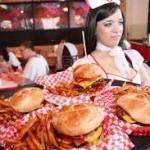 ΒΙΝΤΕΟ: Να γιατί δε πρέπει να νευριάζουμε τους σερβιτόρους!