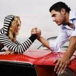 Πώς οδηγούν οι άντρες και πώς οι γυναίκες- ΒΙΝΤΕΟ
