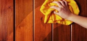 Έξυπνο tip : Διώξτε τη σκόνη από τα έπιπλα και κάντε τα να γυαλίζουν σαν καινούργια !
