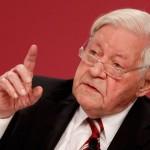 Χέλμουτ Σμιτ: Προειδοποιεί για Γ' Παγκόσμιο Πόλεμο