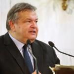 Καταδικάζει τη βεβήλωση του εβραϊκού νεκροταφείου της Θεσσαλονίκης ο Ευάγγελος Βενιζέλος