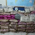 Κατέσχεσαν ένα τόνο ηρωίνη σε βίλα στη Φιλοθέη και σε αποθήκη στο Κορωπί – Στους συλληφθέντες ένας εφοπλιστής, η πρώην σύζυγός του και ο 15χρονος γιος τους