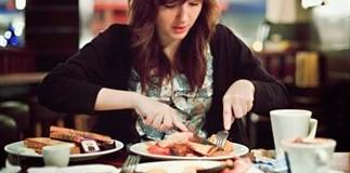 Γυναίκες που τρώνε κόκκινο κρέας κινδυνεύουν με καρκίνο του μαστού