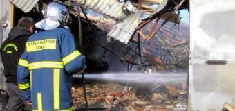 Στις φλόγες αποθήκη στο Νέο Σκοπό